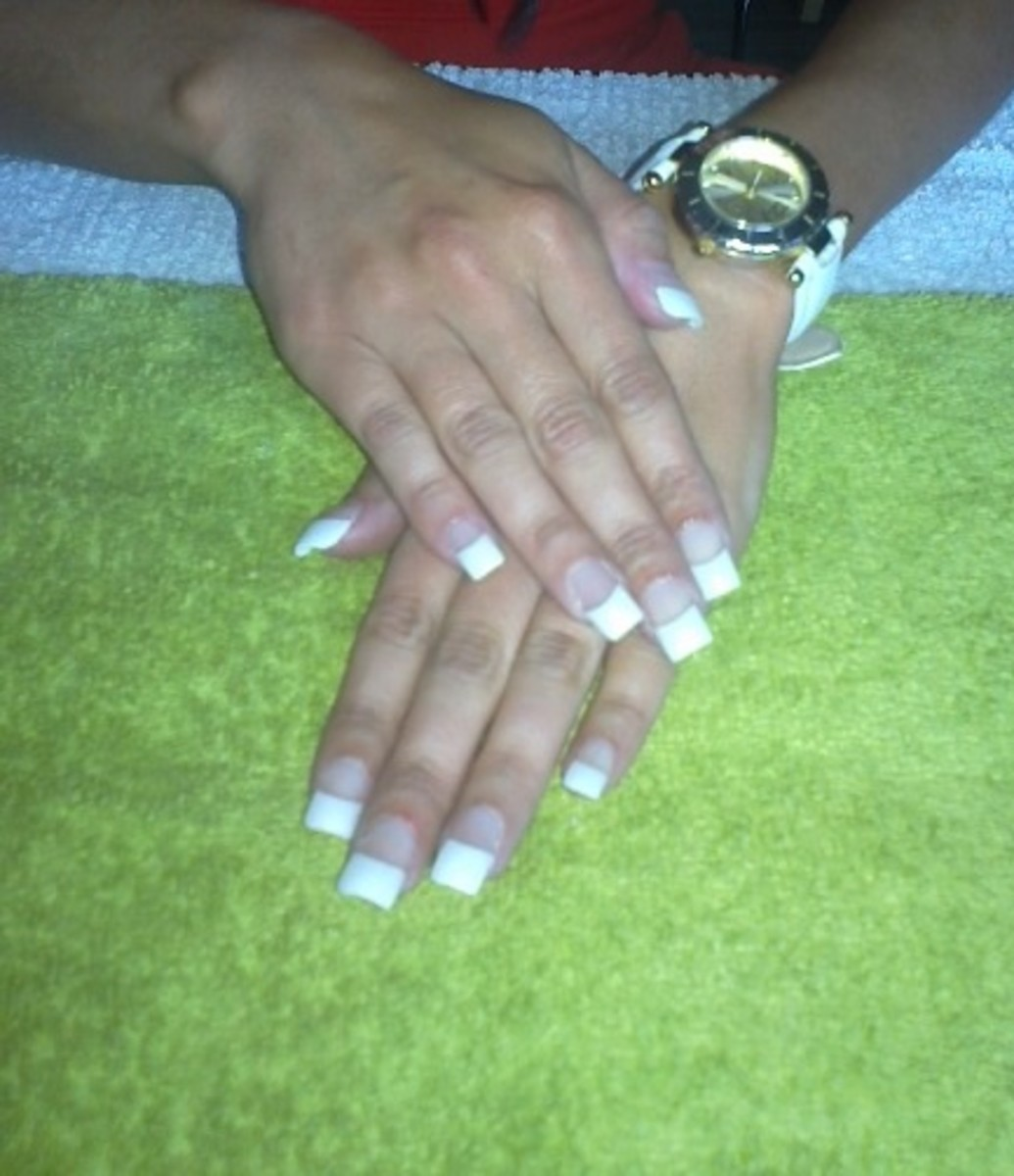 Learn How To Apply Acrylic Nails