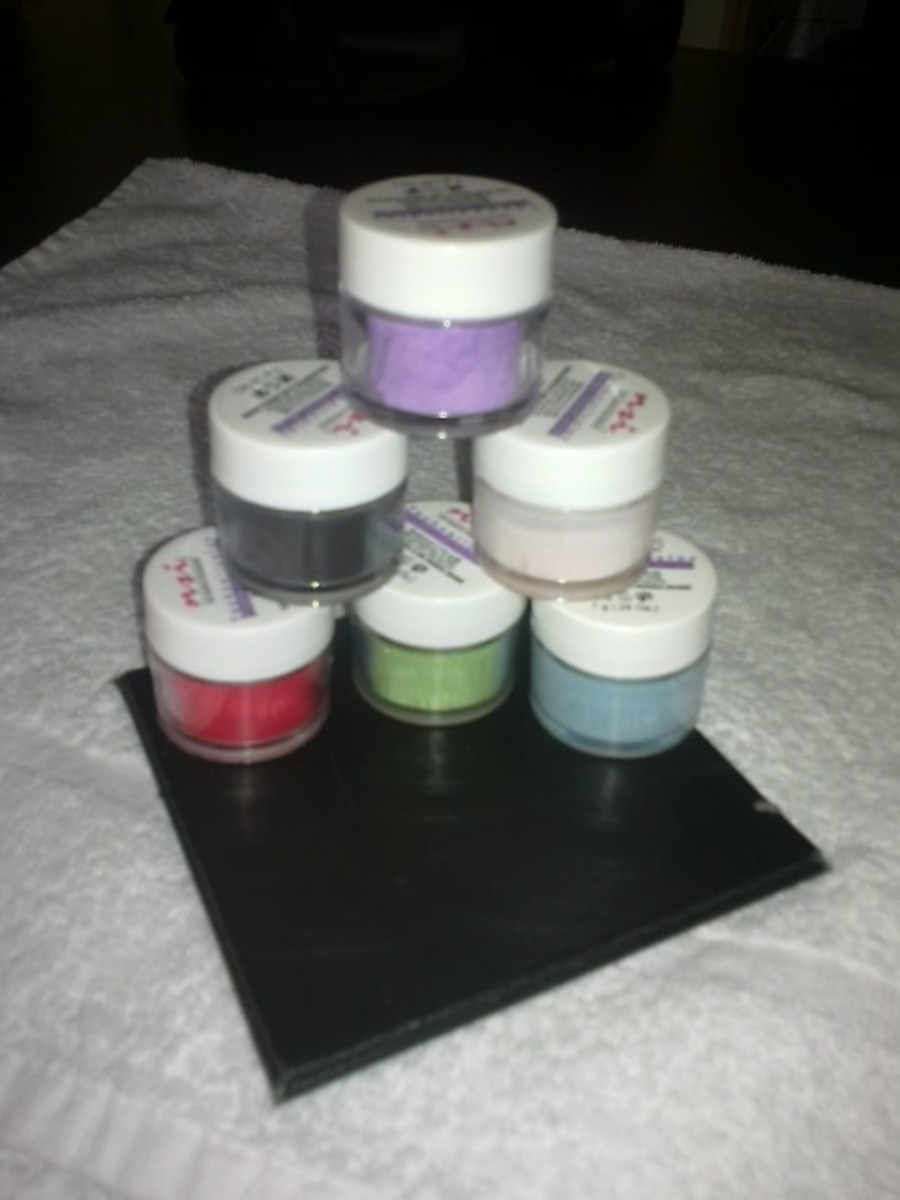 NSI Acrylic Coloured Powder. Mix the colours to make your own unique colour or use the white to lighten a  shade.