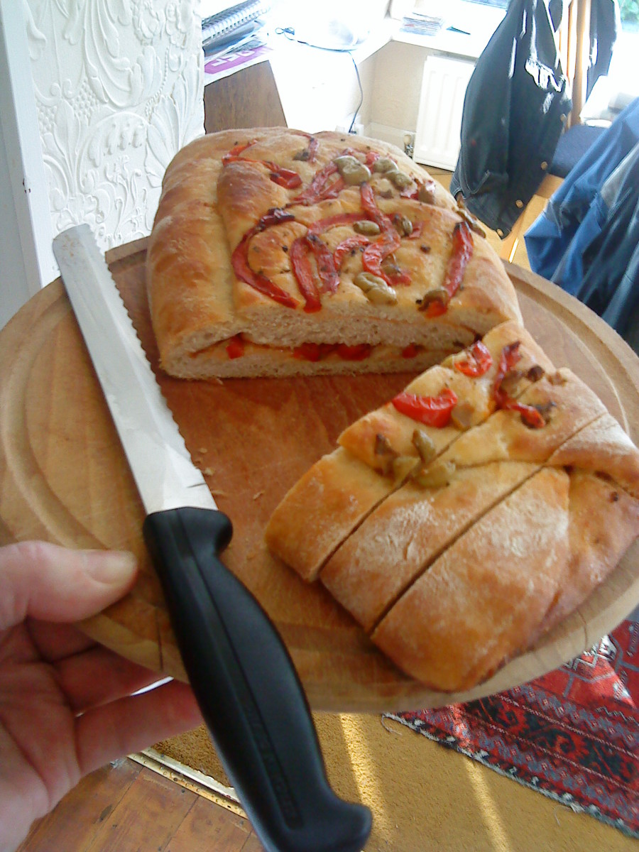 How To Make Savoury Red Pepper and Olive Roll Over Bread - Easy Recipe