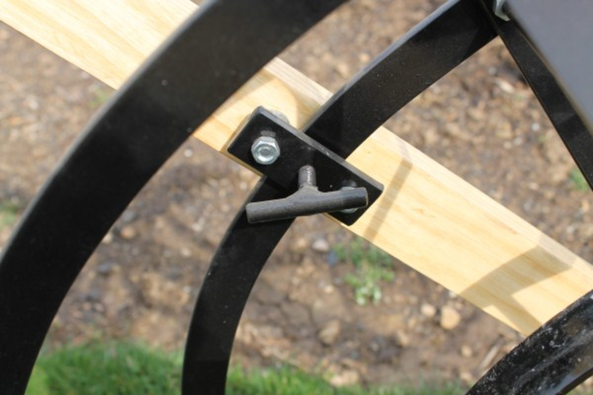 "Adjustable handles use old fashioned ""T"" lock."