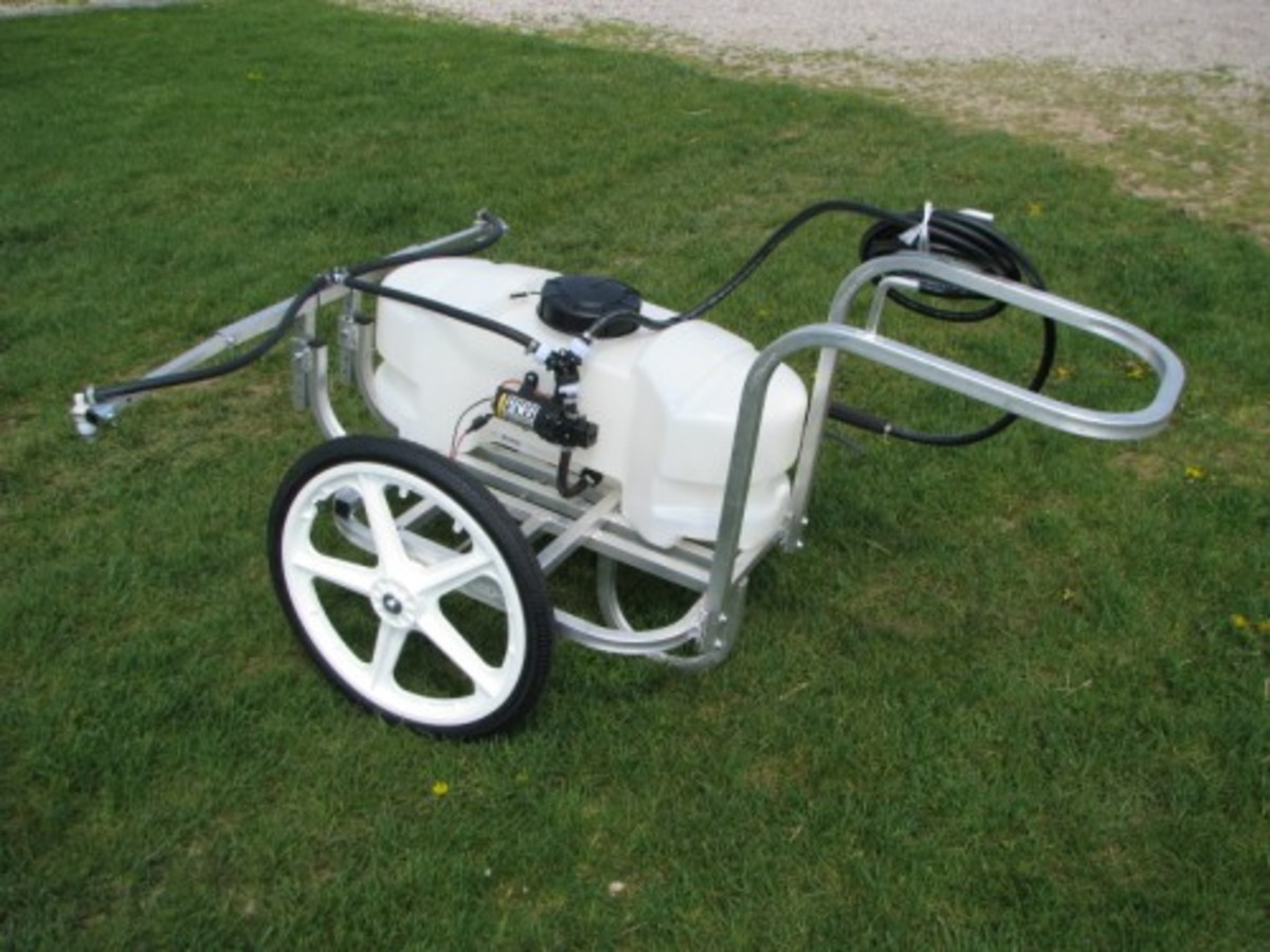 Amish 12 volt hand push yard and garden sprayer