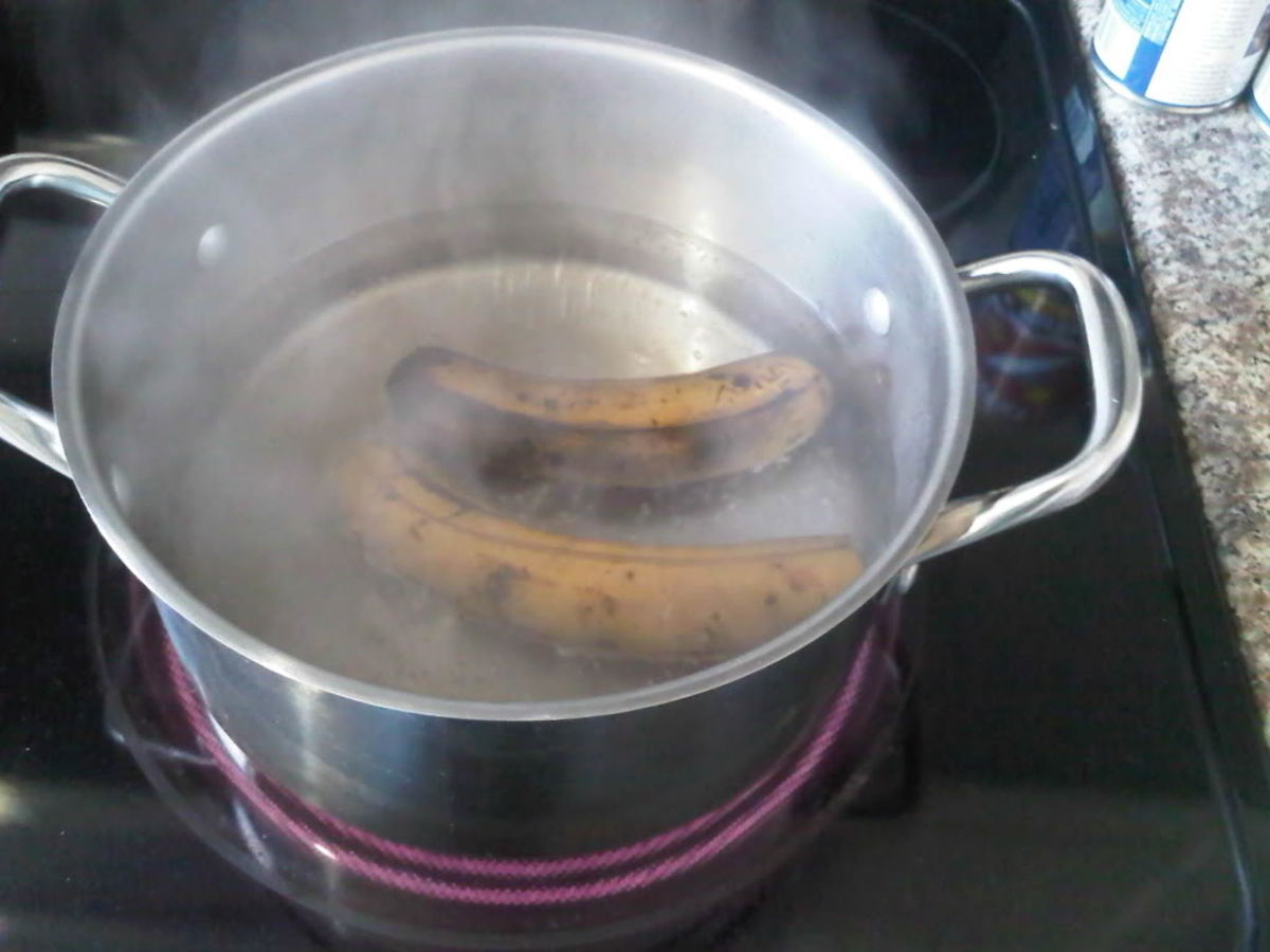 Boiling ripe plantains