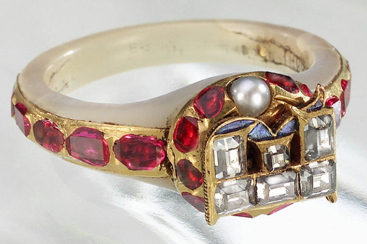 Chequers Ring concealed portraits of Anne Boleyn and Elizabeth I.