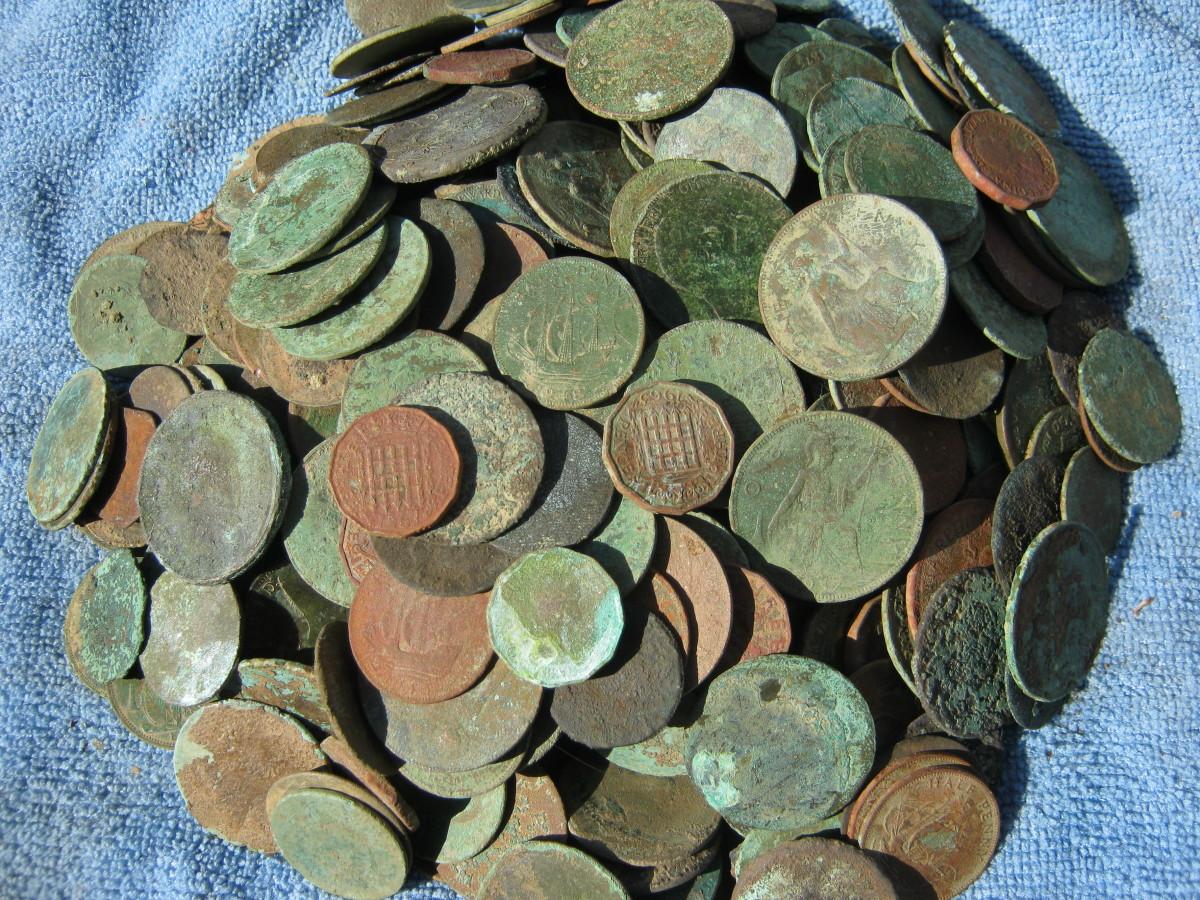 A pile of pre-decimals, mainly copper pennies.