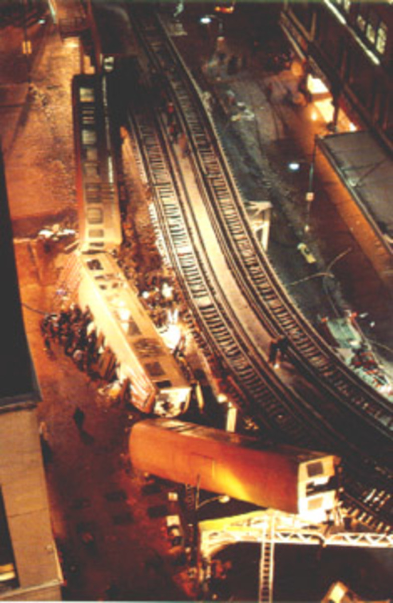 The photo of the disaster shows the position of the cars after they fell.