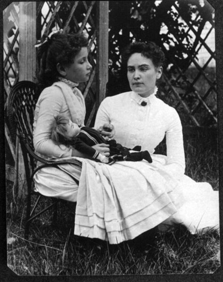 Helen with her teacher, Anne Sullivan.