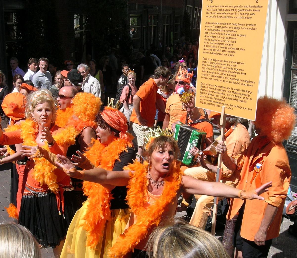 April 27, Kingsday in the Netherlands: the entire country turns orange!