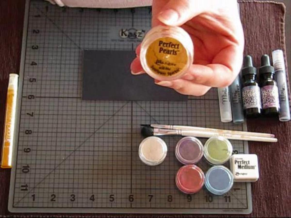 Scrapbooking: techniques with perfect pearls