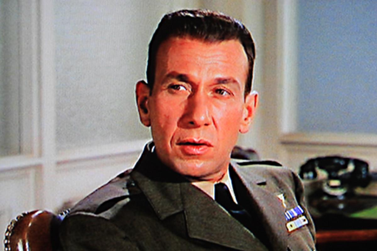 Jose Ferrer plays Barney Greenwald
