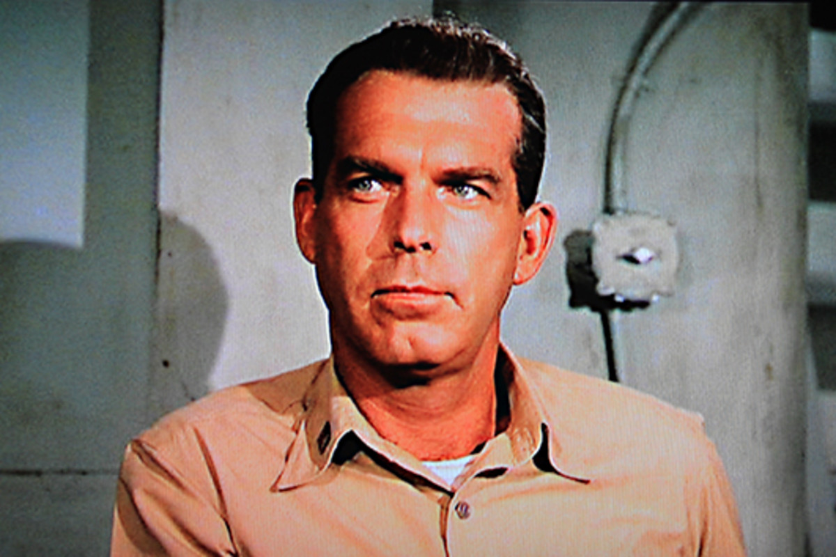 Fred MacMurray plays Lieutenant Tom Keefer