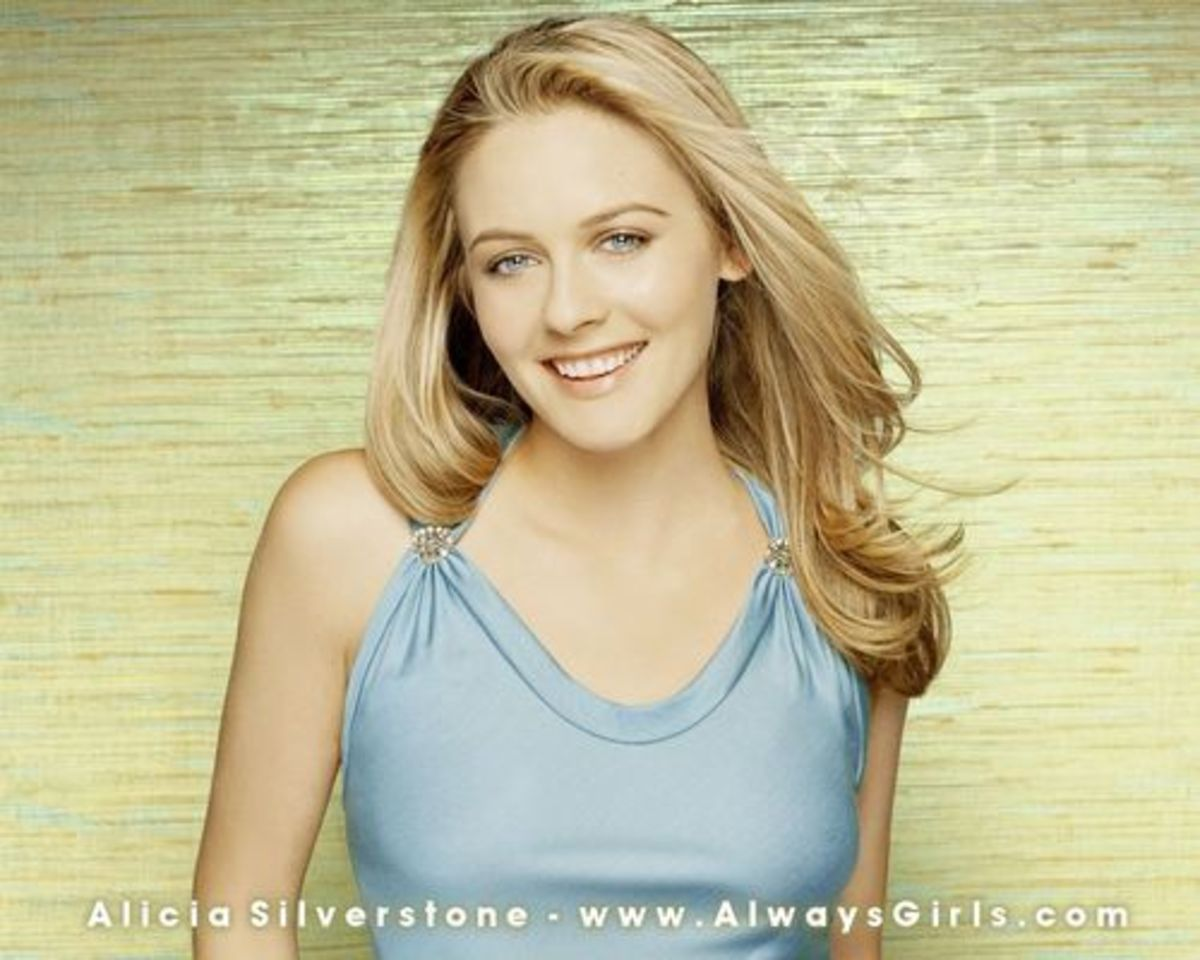 This smaller picture of Alicia Silverstone does not look as good as the larger one. Click on picture for a clearer and bigger picture or go to site that it is from.