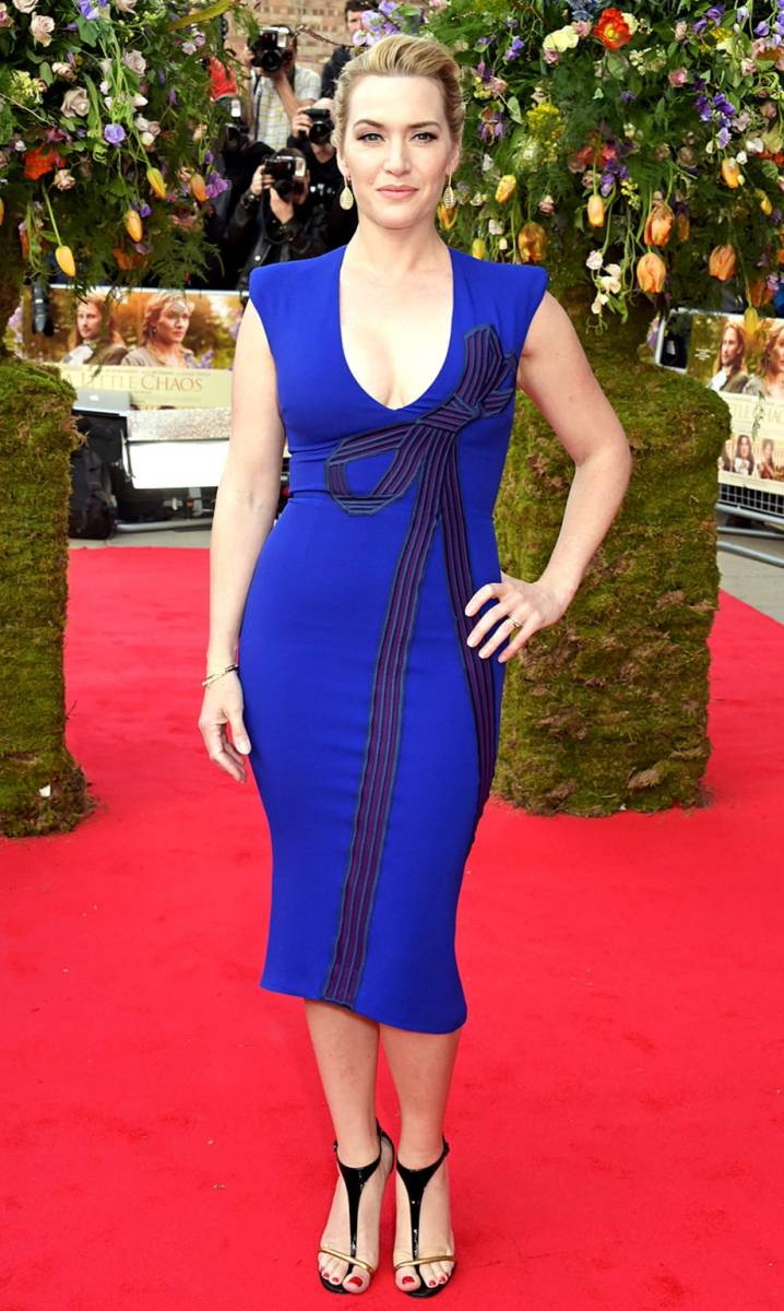 "Kate Winslet: ""A Little Chaos"" London Premiere red carpet blue dress plunge"
