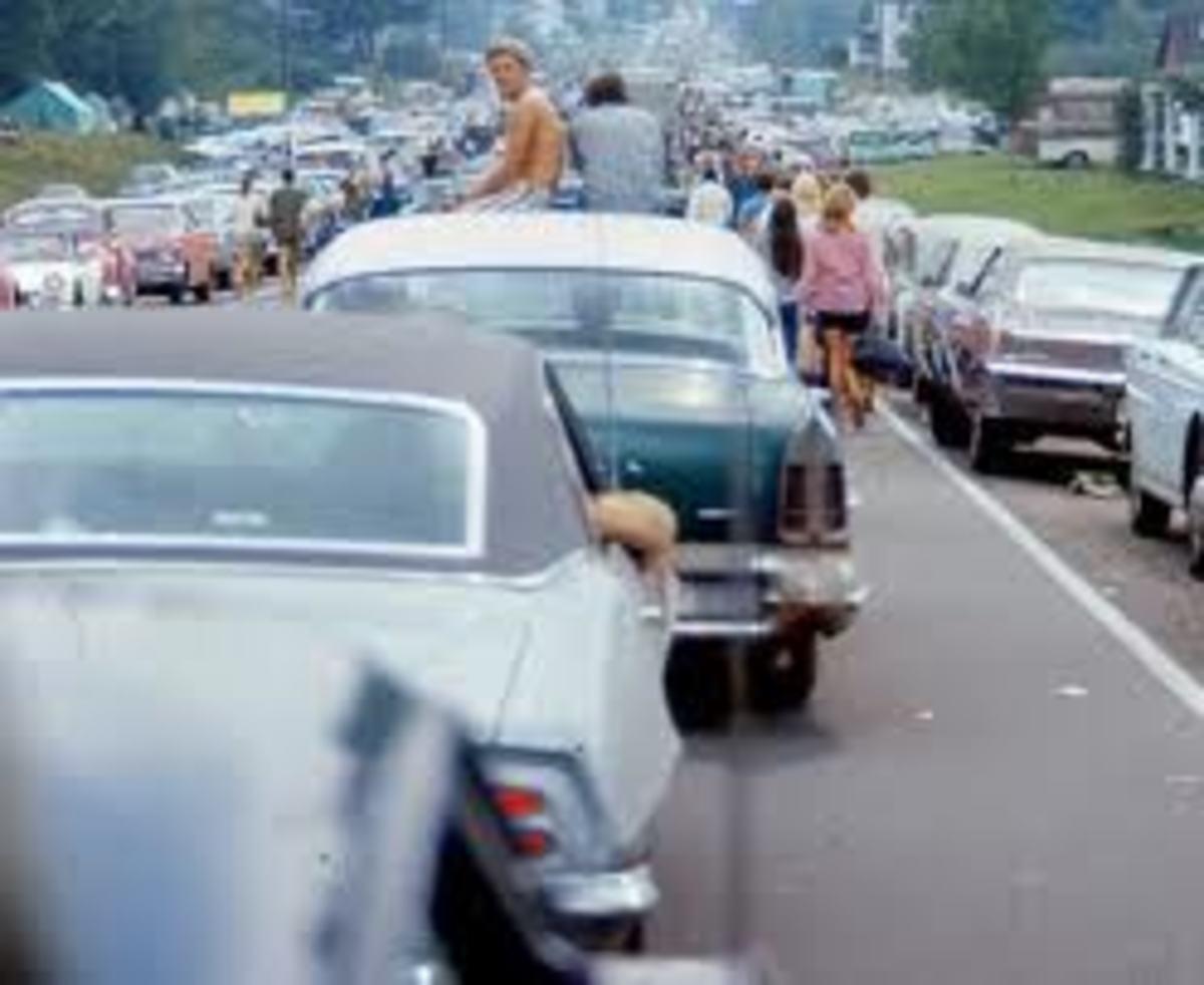 Woodstock 1969 Traffic-Source: http://www.urbit.es/un-festival-de-musica-para-copiar/