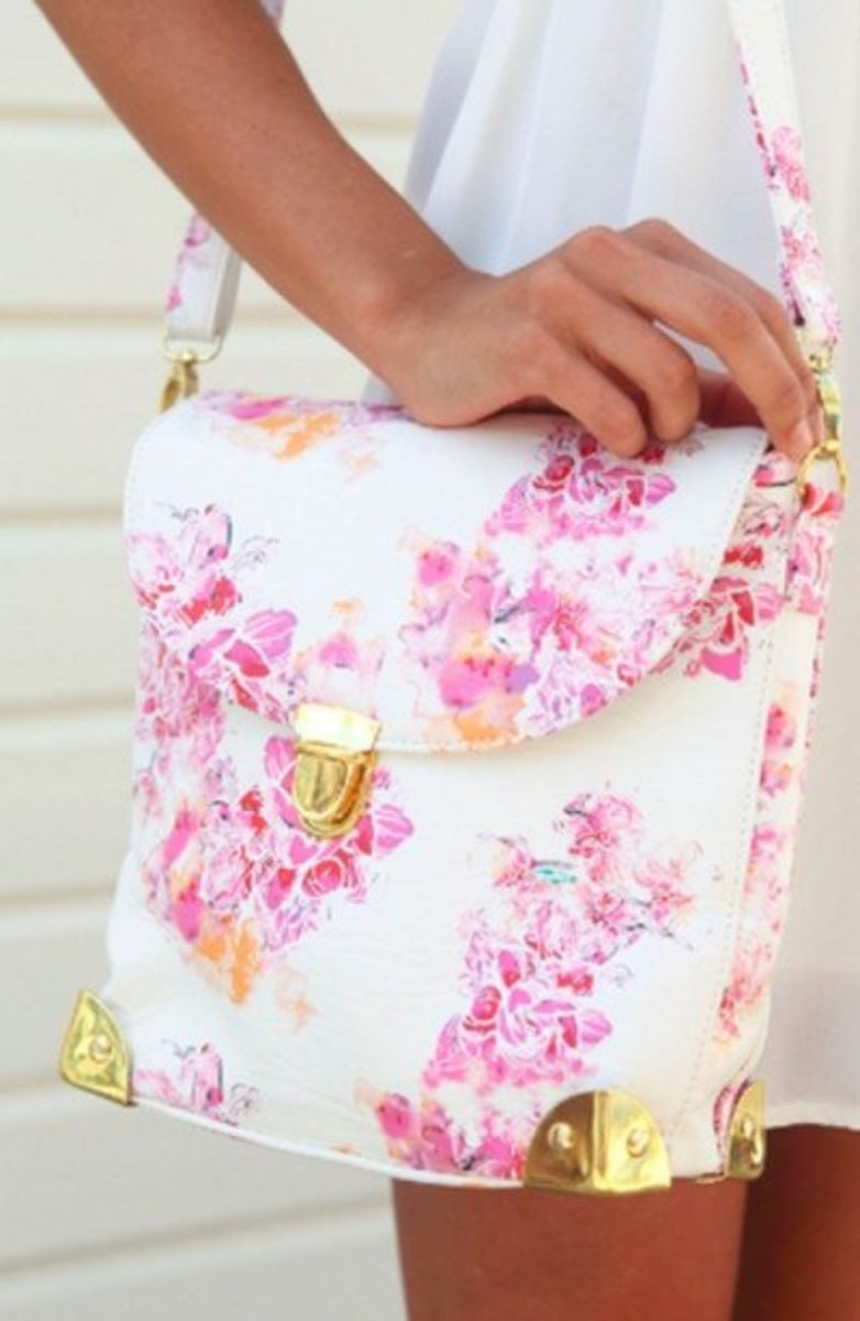 Versatile floral shoulder bag