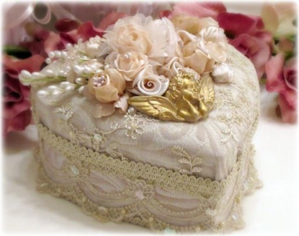 Lace embellished heart box