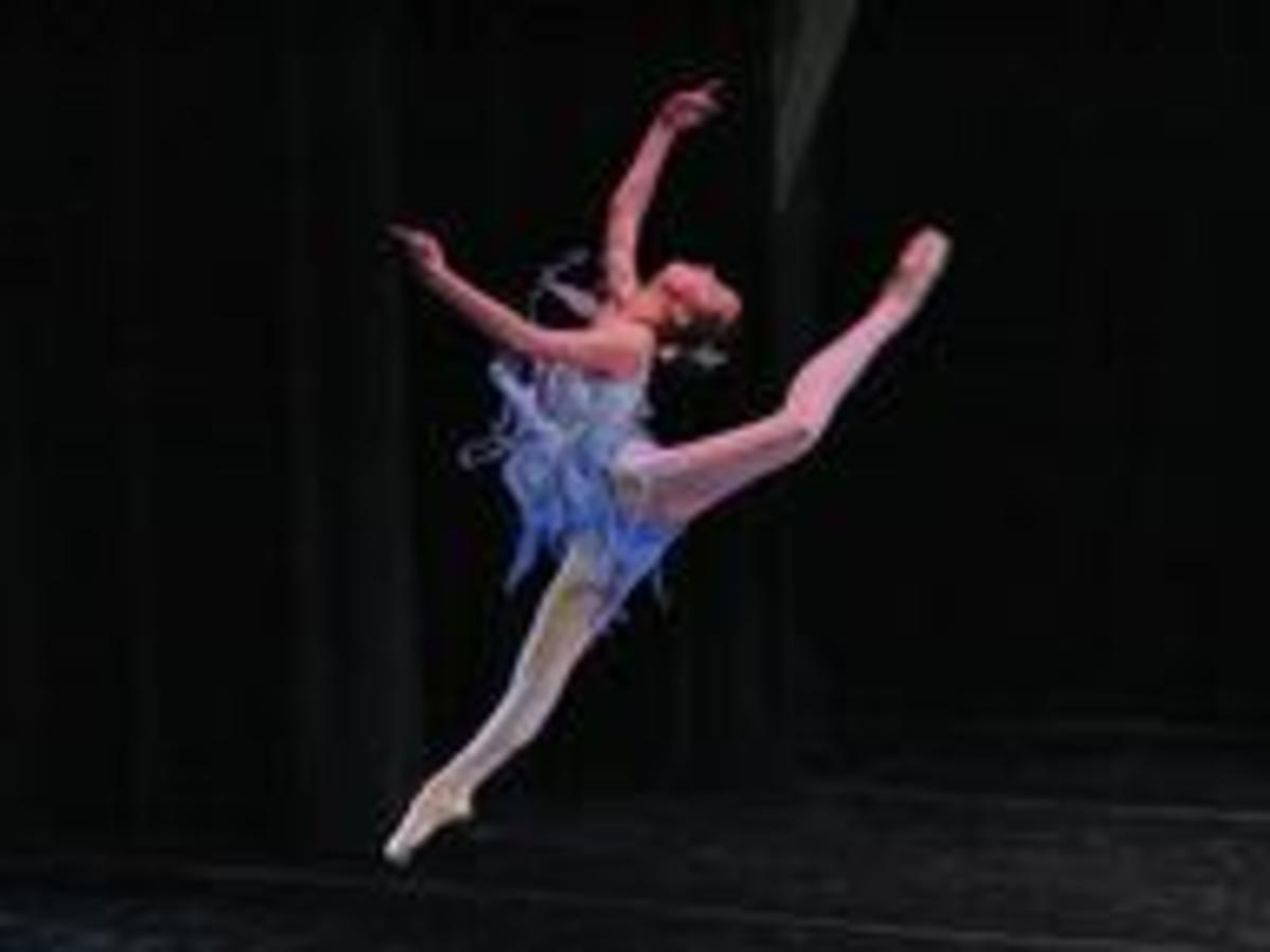 .Modern Italian ballerina - more acrobatic