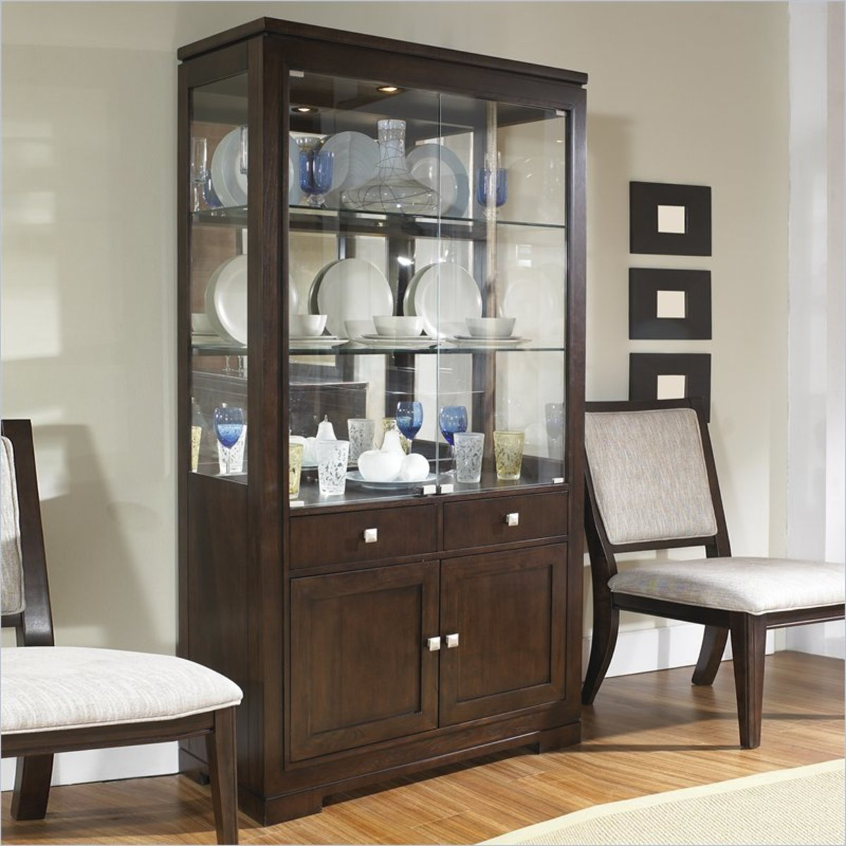 Photo:  www.furnitureshopping.com