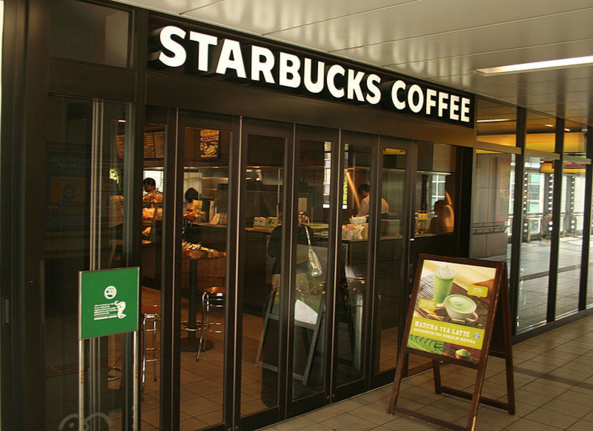 A Starbucks Coffee location in a Japanese train station.