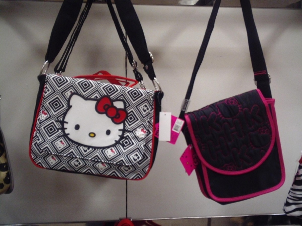 Purses and bags make excellent gifts for tween girls.