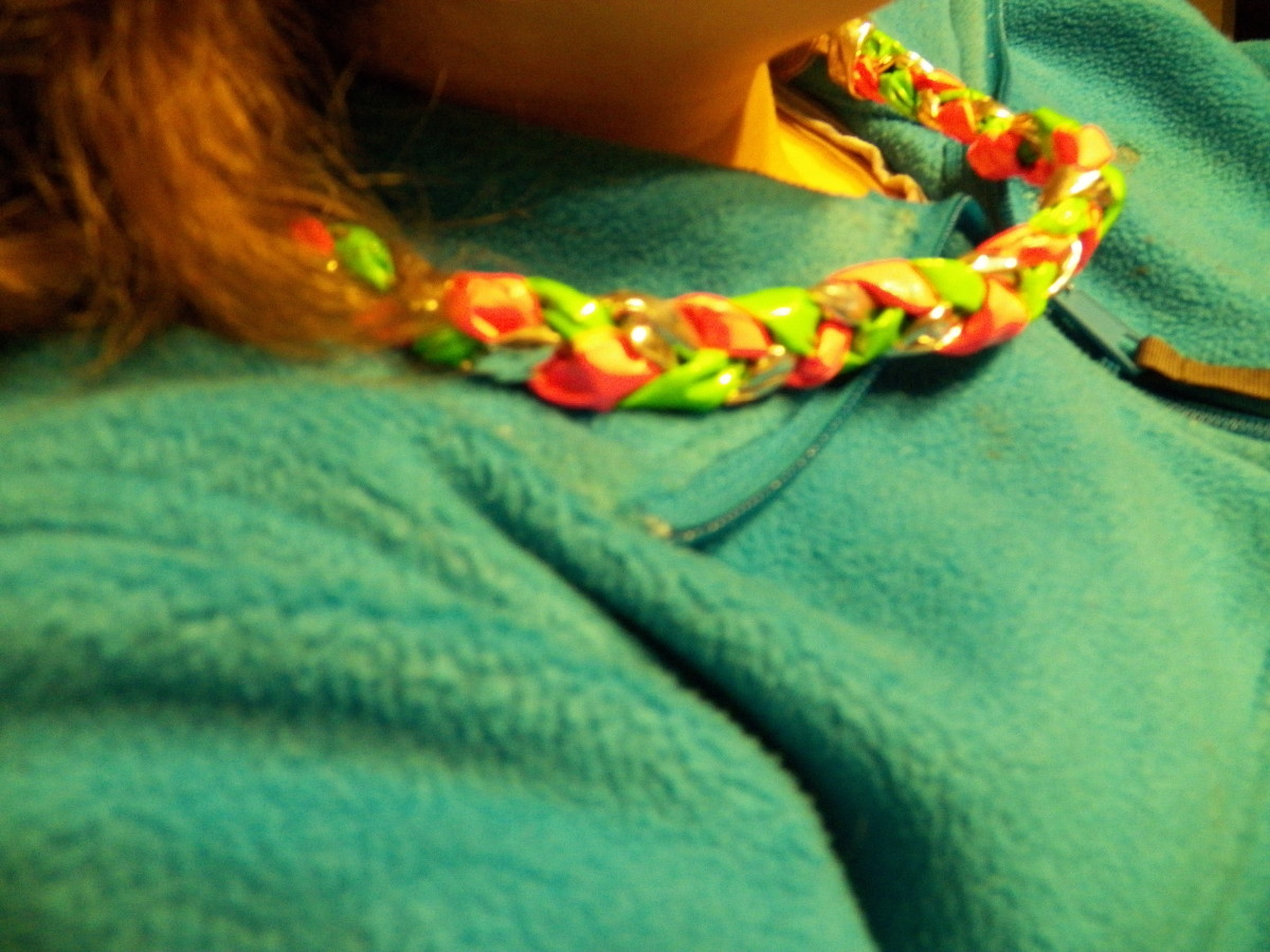 Make your own Duct Tape Necklace!