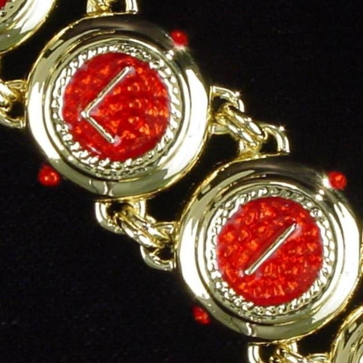 close up view of a micro mosaic jewelry process called tessarae