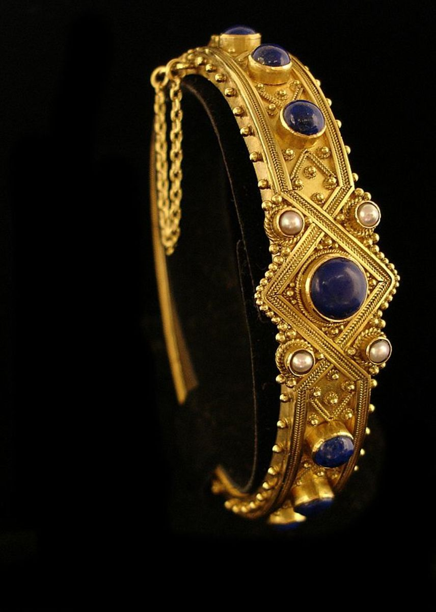 reproduction Castellani bracelet in lapis and seed pearls
