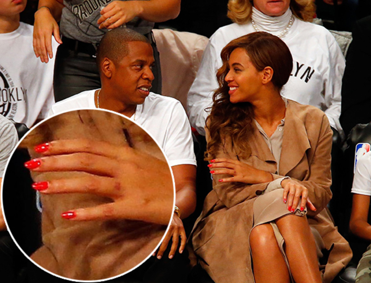 Beyonce not wearing her ring