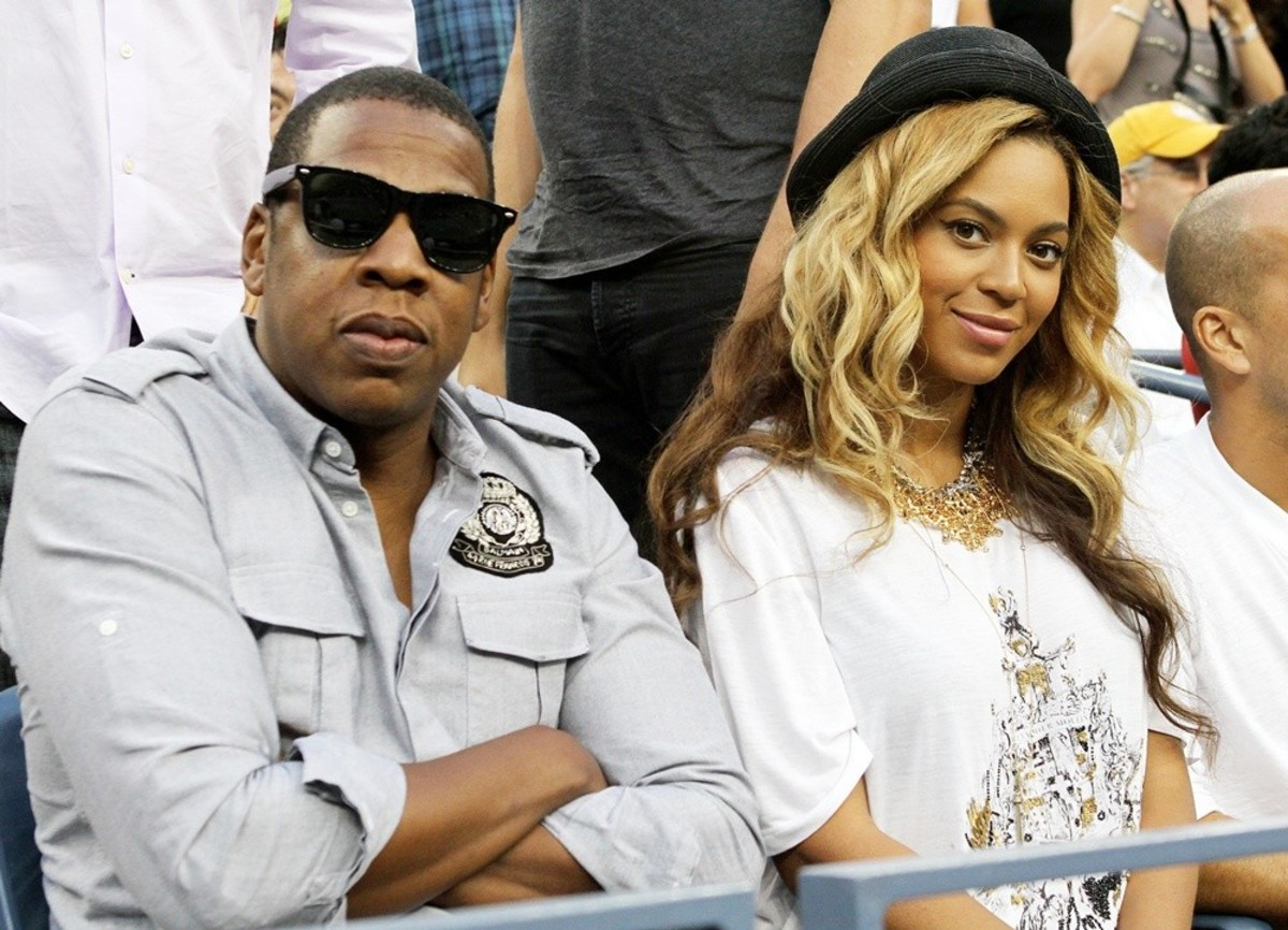 Jay-Z & Beyonce, Solange upset at how he's treating her sister?