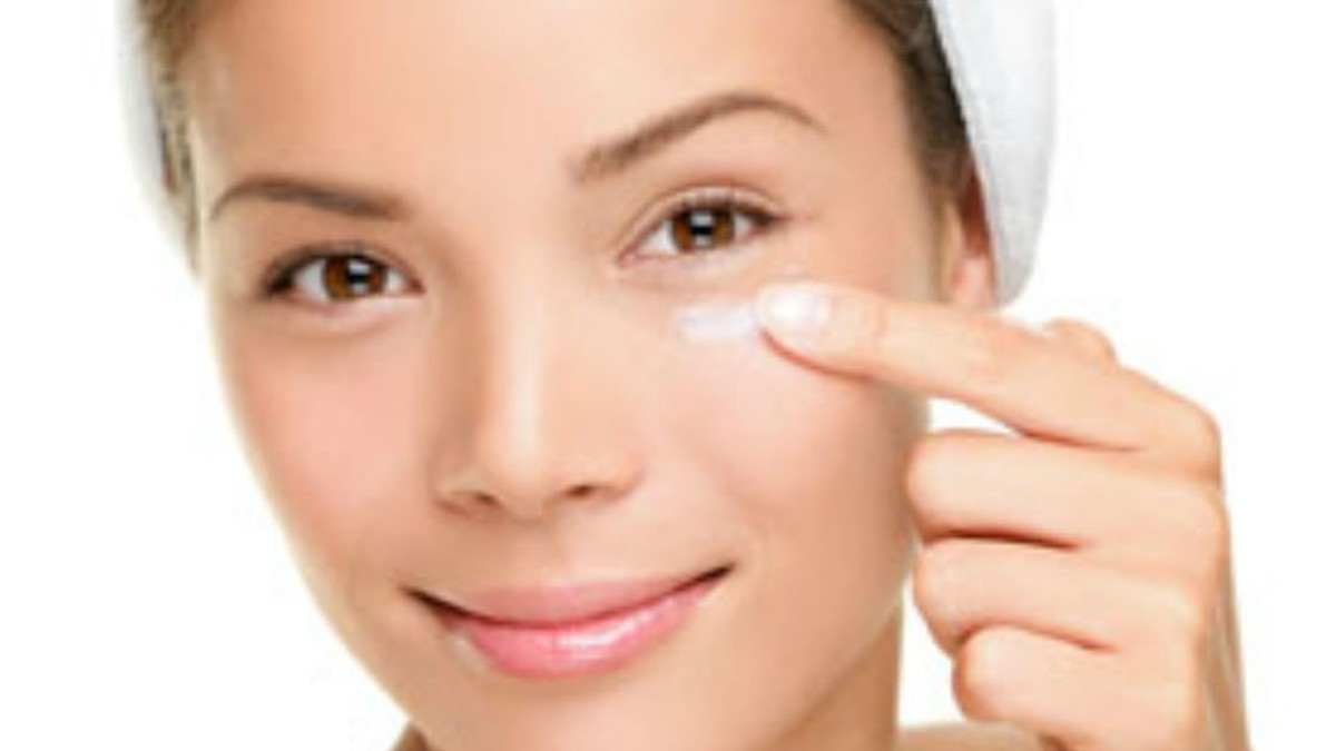 Best creams to reduce under eye bags