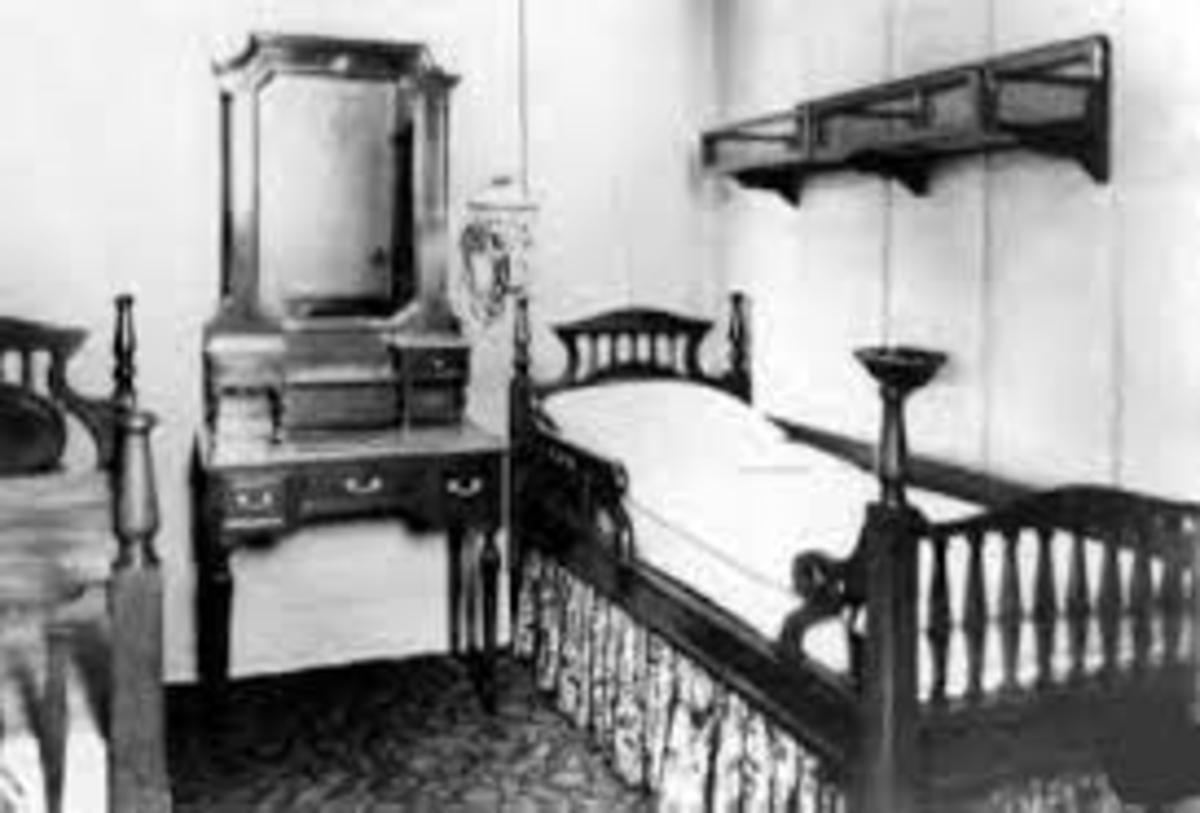 Titanic second class cabin