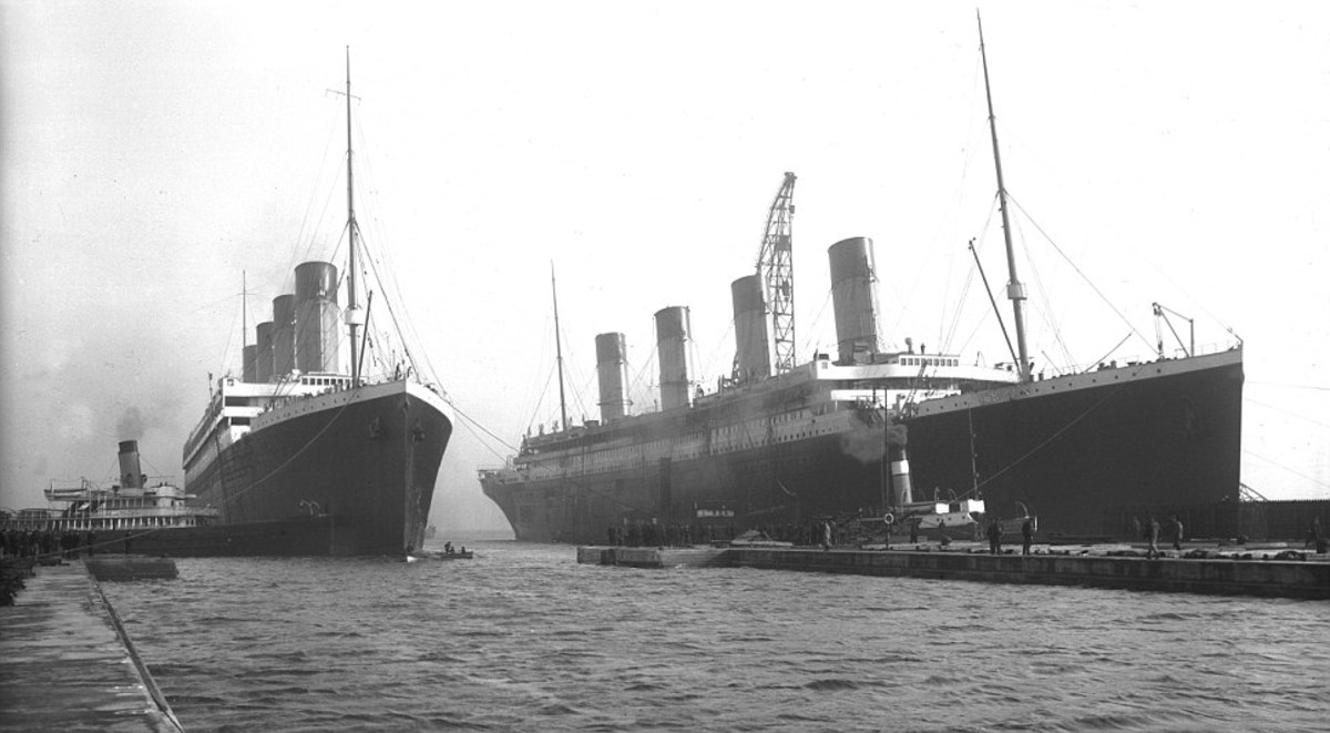 Titanic and Olympic side by side in Belfast