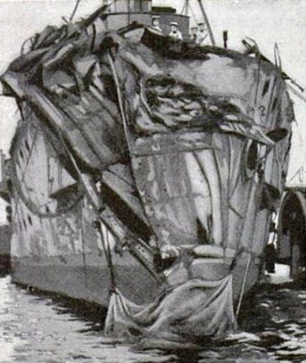 Damage to armoured bow of HMS Hawke