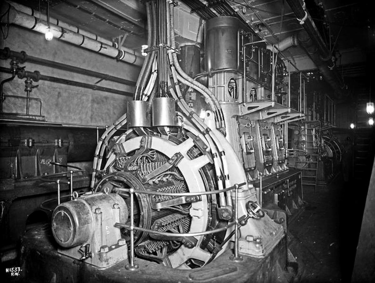 Titanic main generator