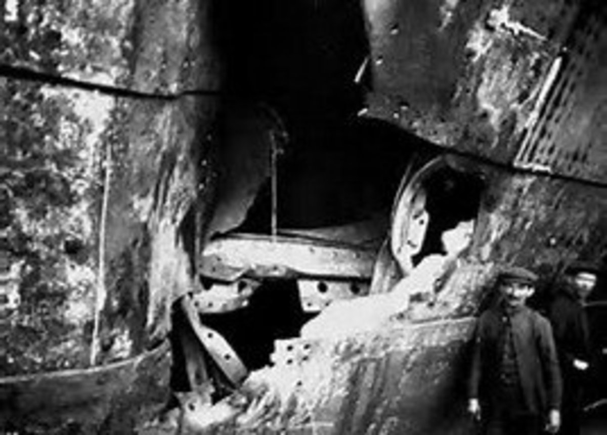 Severe damage caused to RMS Olympic in collision with RN Cruiser HMS Hawke