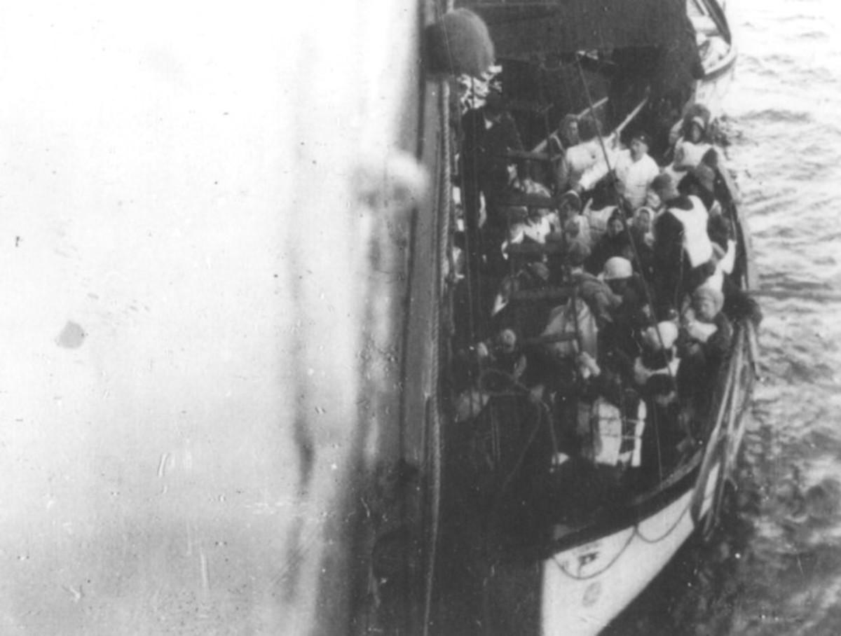Survivors alongside SS Carpathia