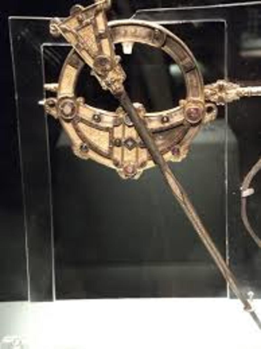 Gaelic made brooch used to pin clothing.