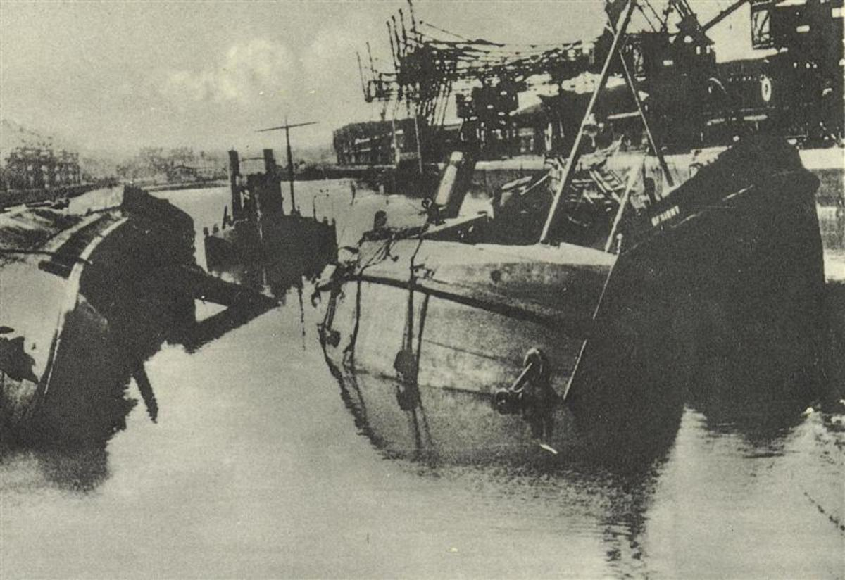 Sunken Fishing boats at the Dunkirk evacuation site