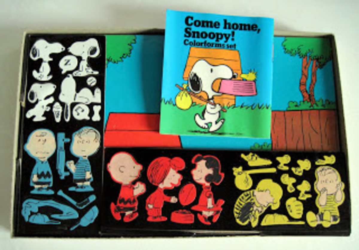 Snoopy and friends are Colorforms!