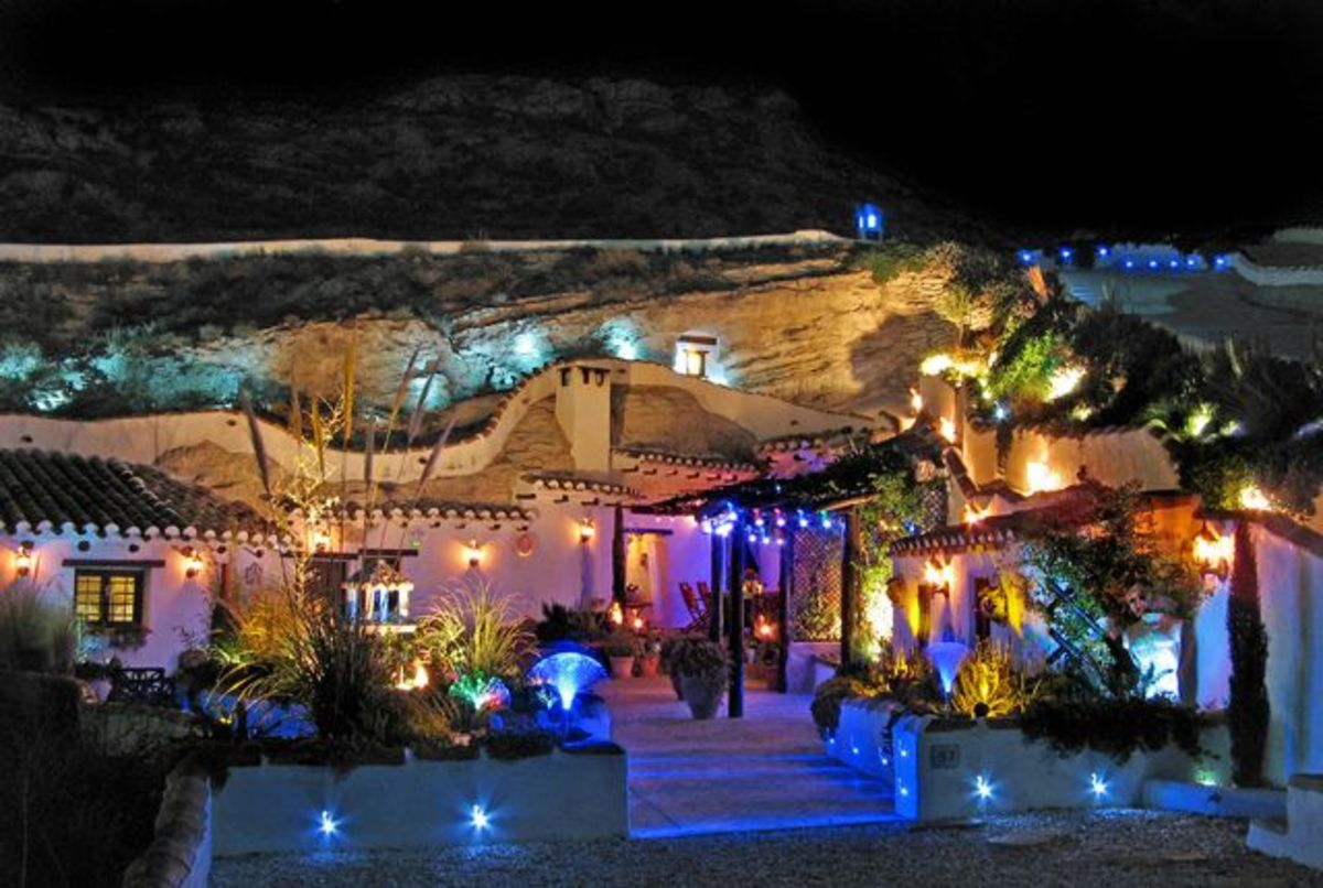 living-in-a-cave-house-in-andalucia-spain