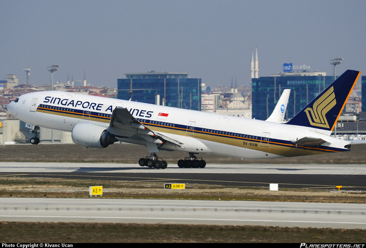 A Singapore Airlines Boeing 777-200 Series Jet (Example pictured here) was flying as flight SQ351 from Copenhagen (CPH) to Singapore (SIN) and was only moments behind Air India flight AI113 and MH17!
