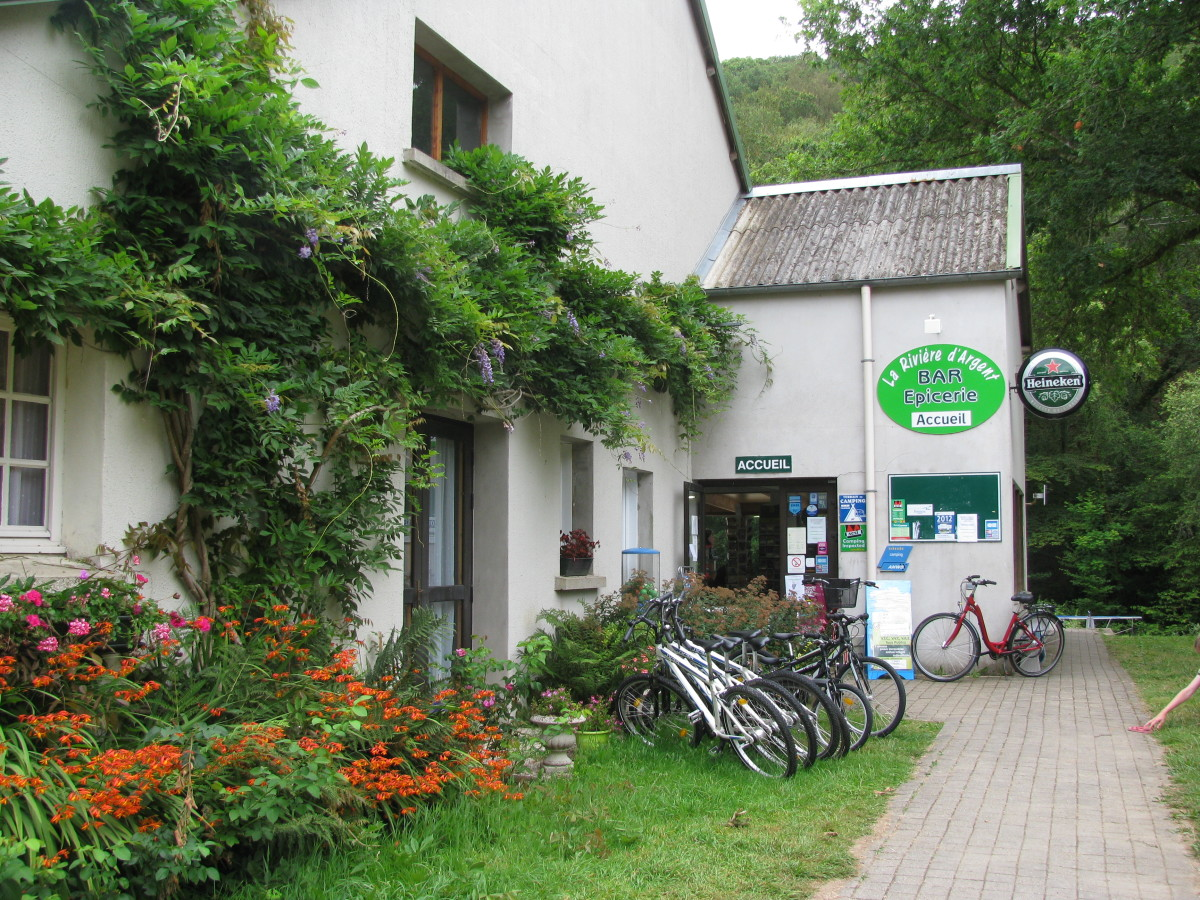Reception - L'Acceuil - with bikes for hire