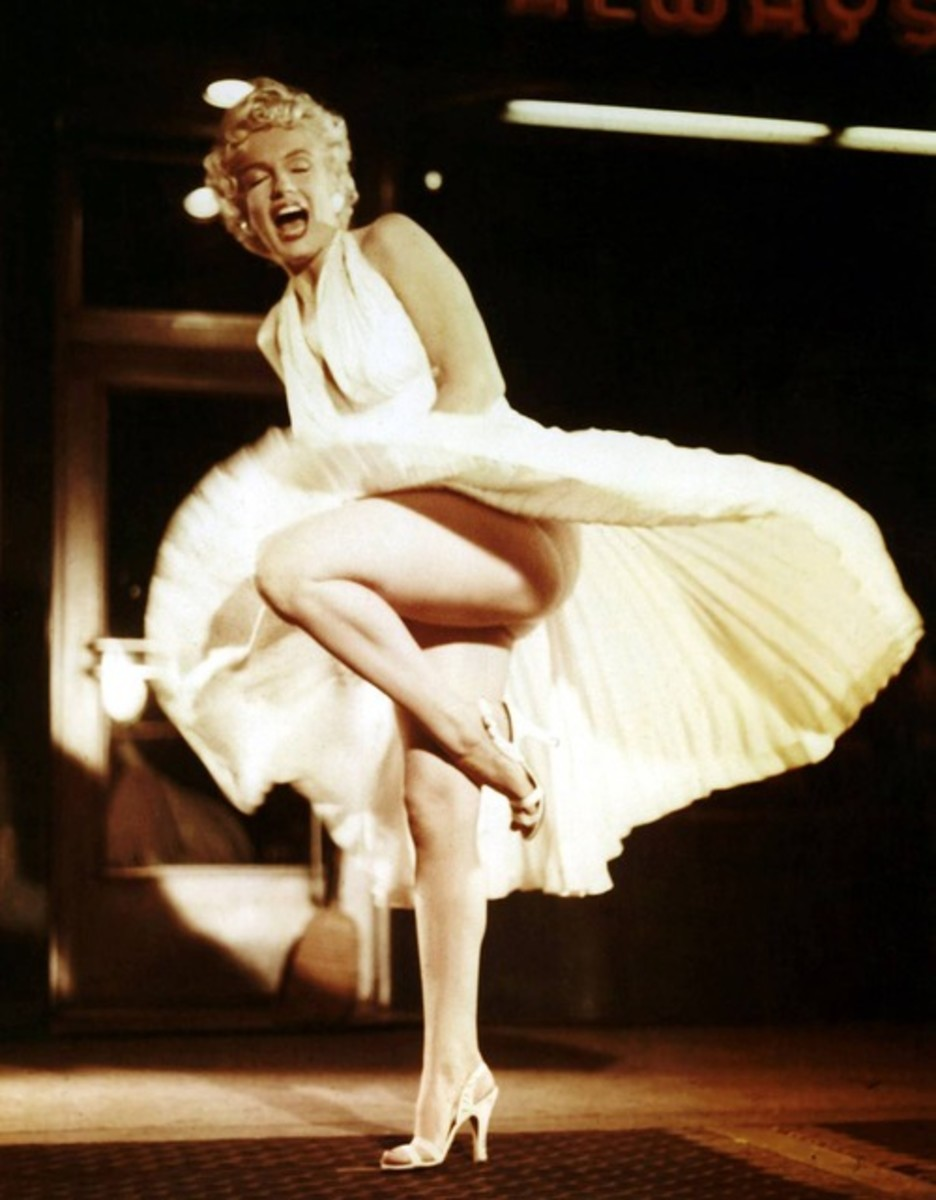 """Marilyn Monroe performing the iconic skirt scene for """"The Seven Year Itch"""" (1955)."""