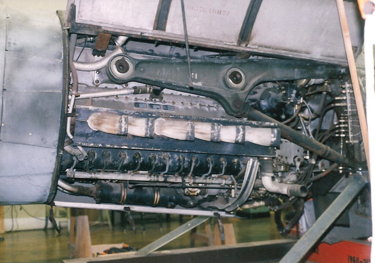 The Ta-152's engine, Paul E. Garber Facility, Silver Hill, MD, April 1998.