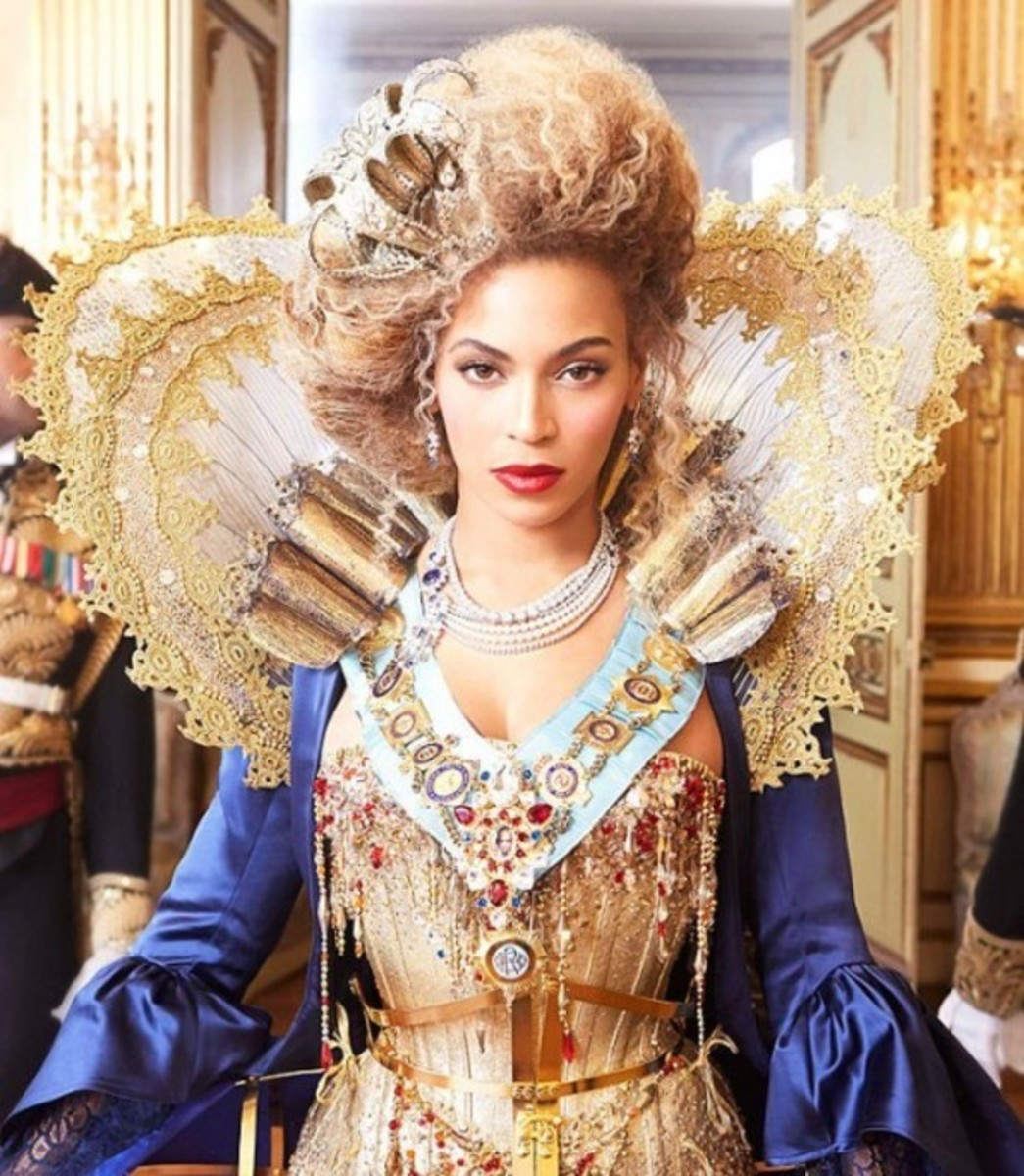 Elizabethan-oid coolness from Beyonce