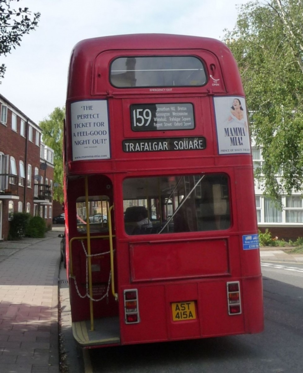Routemaster RM 45 Rear View on Wedding Duty Abingdon 24th May 2009. Rear View of a Routemaster- Back of a bus.VLT45 now re reg to AST415TPark Royal Bodywork Ex London TransportFleet No: RM45