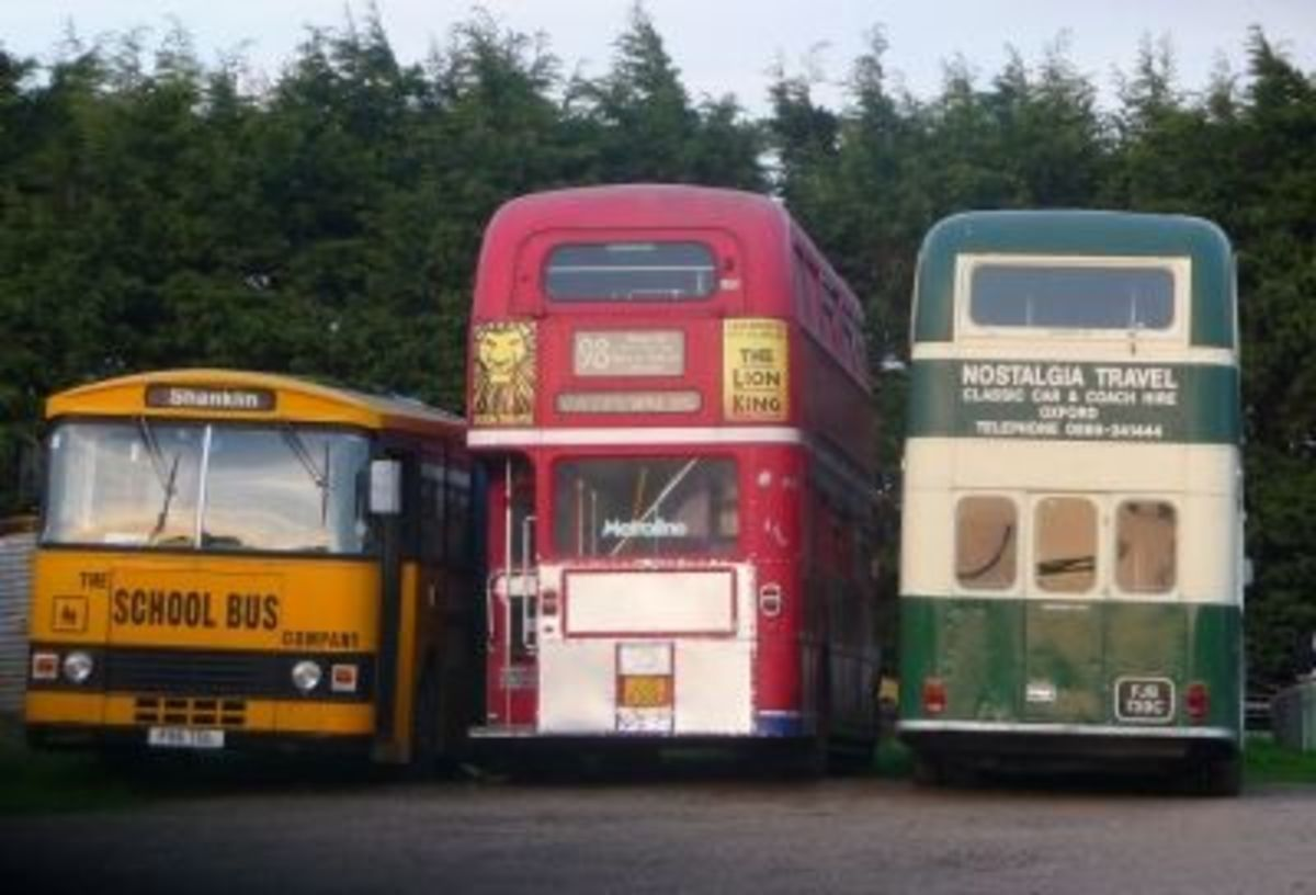 Old Buses at Kingston Bagpuize including a Routemaster