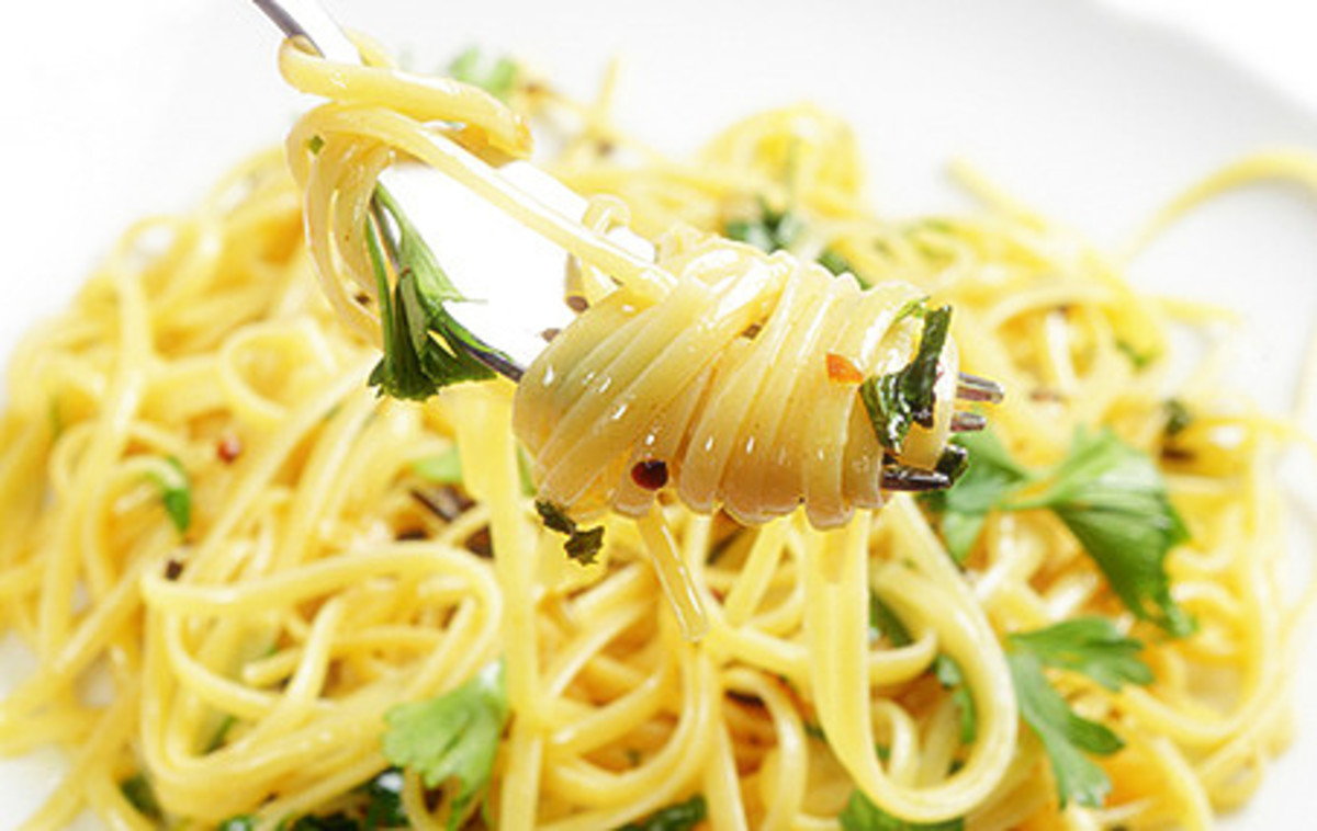 Linguine serving with a thin sauce