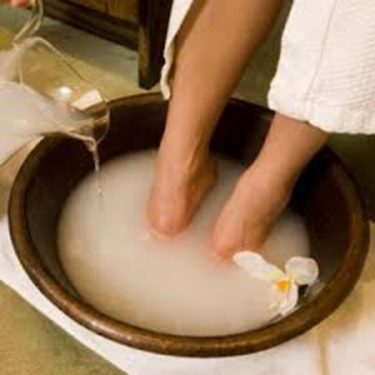 An amazing, all-natural cure for aching, dry, cracked (and even stinky) feet.