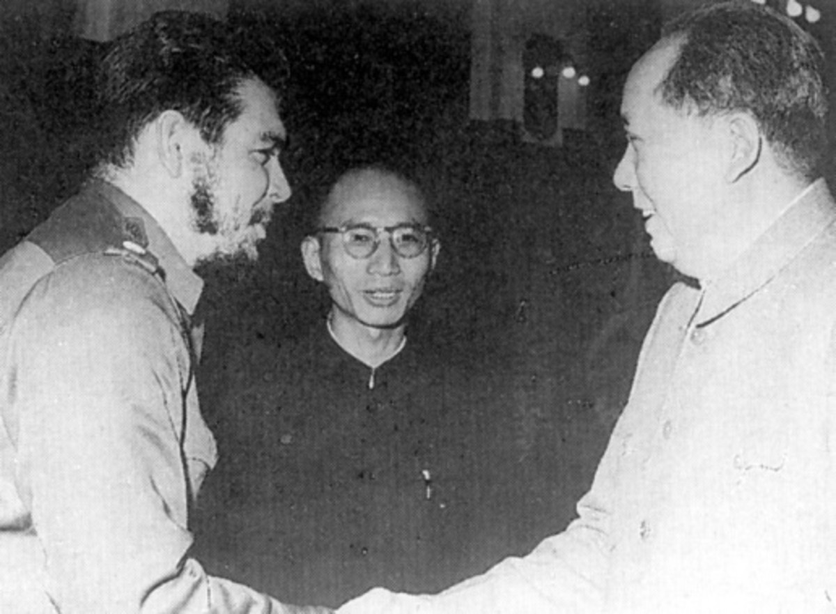 Che Guevarra and Mao Zedong (on right)