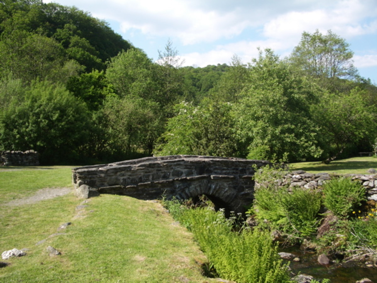 Bridge over the Afon Wybrnant, Ty Mawr